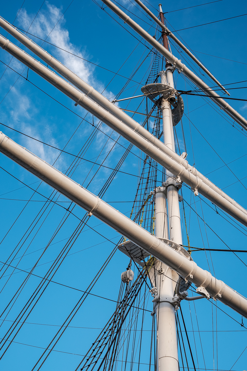 The wooden mast of Suomen Joutsen