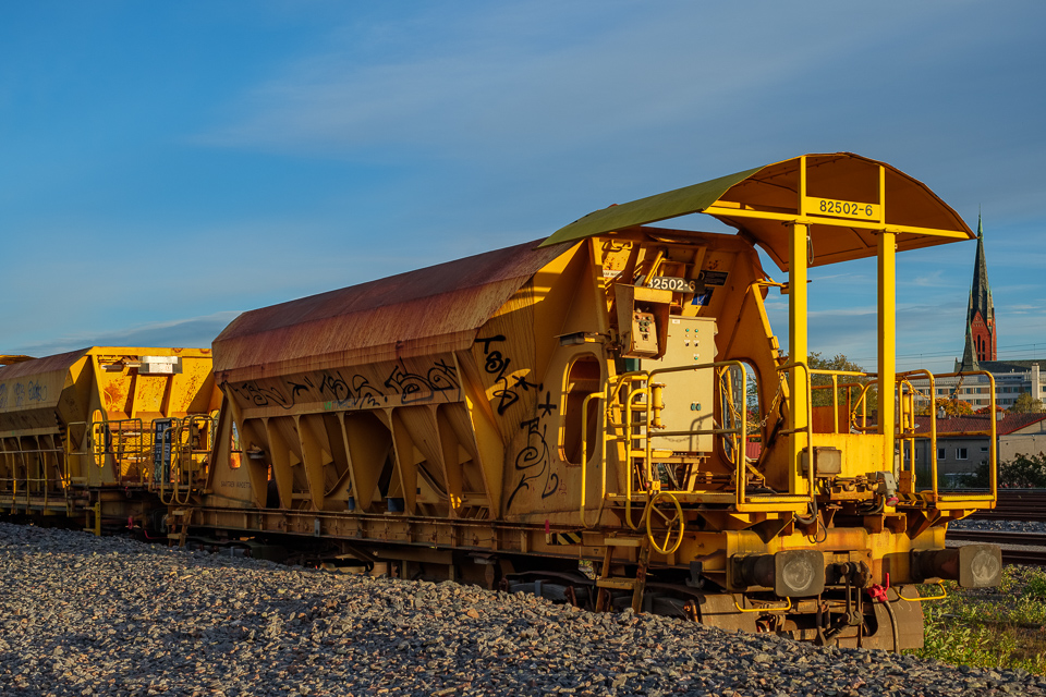 Yellow freight cars for transporting rubble